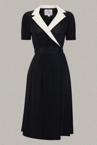 Kleding :: A-lijn kleedjes :: Zwarte overslagjurk met ivoren revers - The Seamstress of Bloomsbury