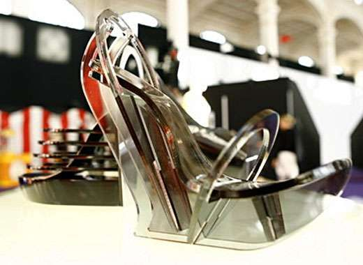 Sculptural Steel Shoes - Chau Har Lee Creates Architectural Laser Cut Footwear (GALLERY)