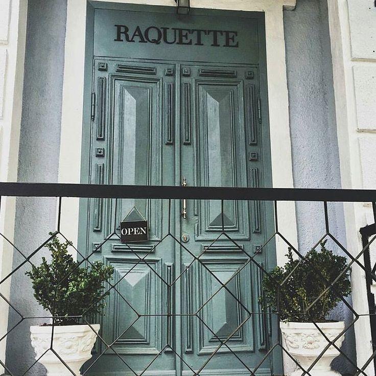 Beautiful shot of our #Maison #Raquette 🌿🌿🌿 #maisonraquette #raquette #showroom #doors