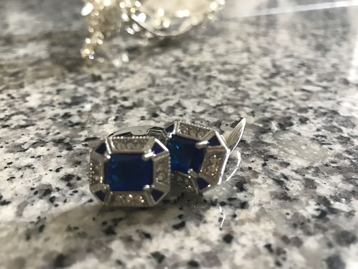 CROWN Austrian Crystal London Blue Cufflinks