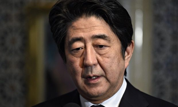 Shinzo Abe Japanese PM stands firm on foreign policy after Isis hostage murder