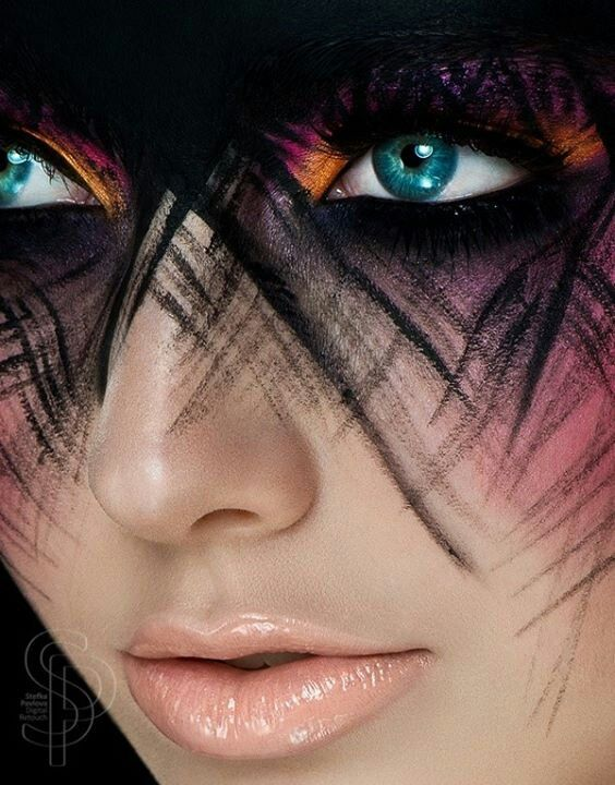 this looks awesome! im thinking like a black mask like thing on the forehead and incorporate colors into the edges