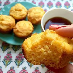Es temporada de mandarinas y no podíamos dejar de hacer estos muffins que son tannn ricosss. Super livianos y esponjosos!  Sin gluten y sin leche!!