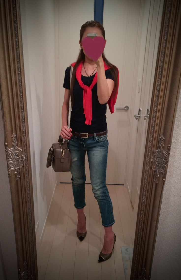 Black shirt with jeans pants and red sweater - http://ameblo.jp/nyprtkifml
