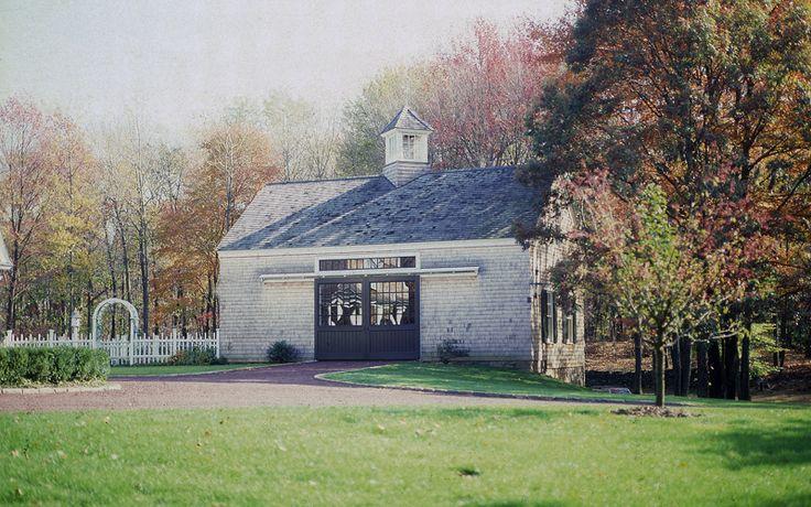 Best 24 X36 2 Story Bank Barn White Cedar Shingle Siding Red 400 x 300