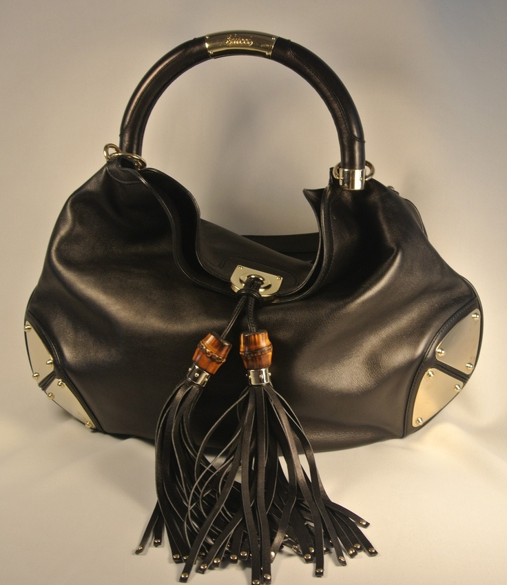 Love this Black Leather Indy Handbag from Gucci!!! available from www.designershare.ca