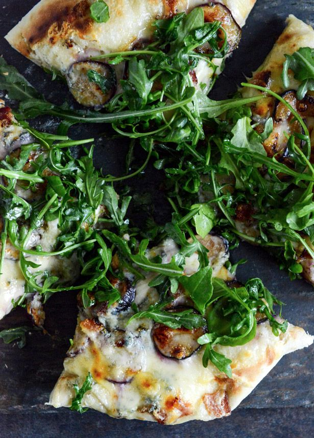 Fresh Fig, Bacon + Blue Cheese Pizza . howsweeteats.com .