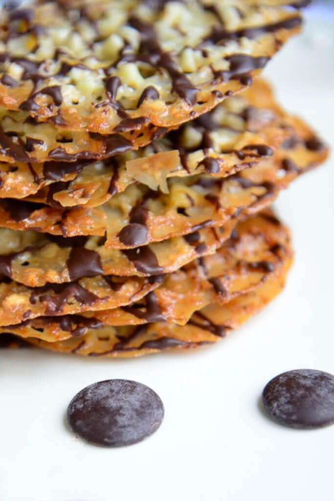 This classic Christmas cookie was a delightful mystery to me for a long time. Delicately thin and light, Florentines are beautifully lacey cookies that do justice to any holiday cookie platter. | Gluten Free Holiday Cookies | Gluten Free Florentine Cookie