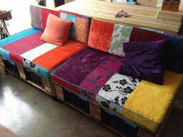 Sofa aus Paletten selber machen bunte Auflagen selber nähen