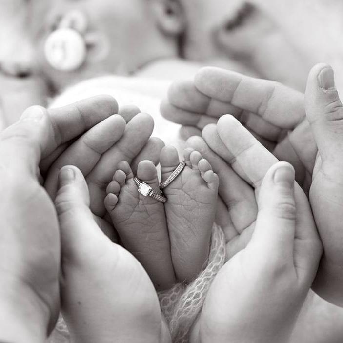 Babyfüße – #babyfotoshootingideen #babyfotoshootingideen6monate #babyfotoshoot…