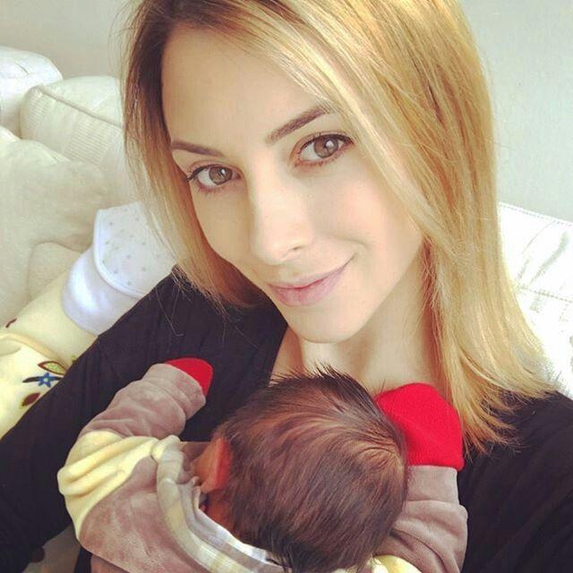 Daniela collet y su hijito benjamín