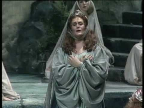 25 best ideas about joan sutherland on pinterest opera opera singer and giacomo puccini - Norma bellini casta diva ...