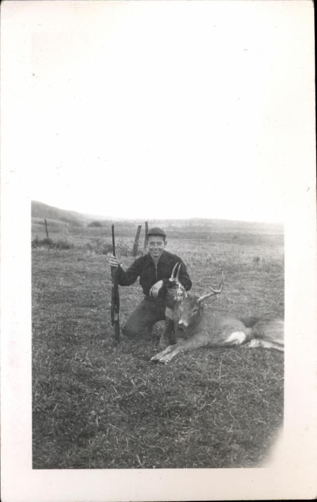 snapshot 9 novembre 1951 Essex County New York Hunt chasse 7 points cerf E.U.