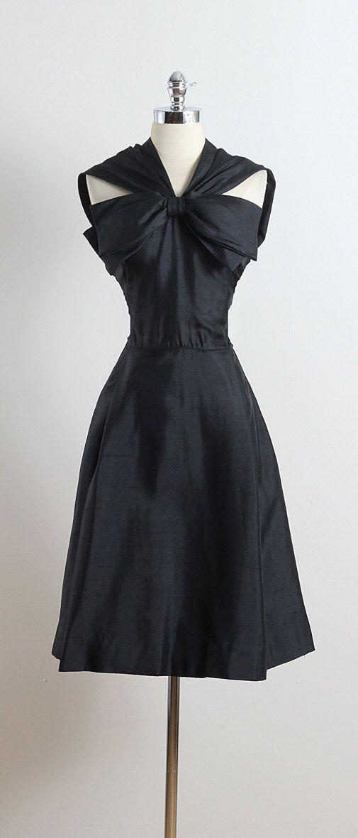 CUZCO FIZZ ➳ vintage 1950s dress * black cotton blend * linen lining * large bodice bow accent * metal side zipper * by Joseph Magnin condition  