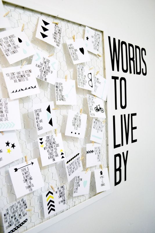 This would be perfect for my office!! Words To Live By Quote Board + Printable Quotes || Lemon Squeezy Home