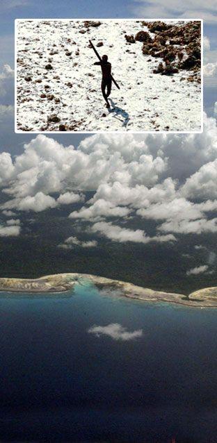North Sentinel Island: Vorsicht vor dieser Insel – Urvolk vertreibt Fremde mit Pfeil und Bogen http://www.travelbook.de/welt/Das-geheimnisvolle-Volk-Betreten-Sie-bloss-nicht-diese-Insel-361045.html