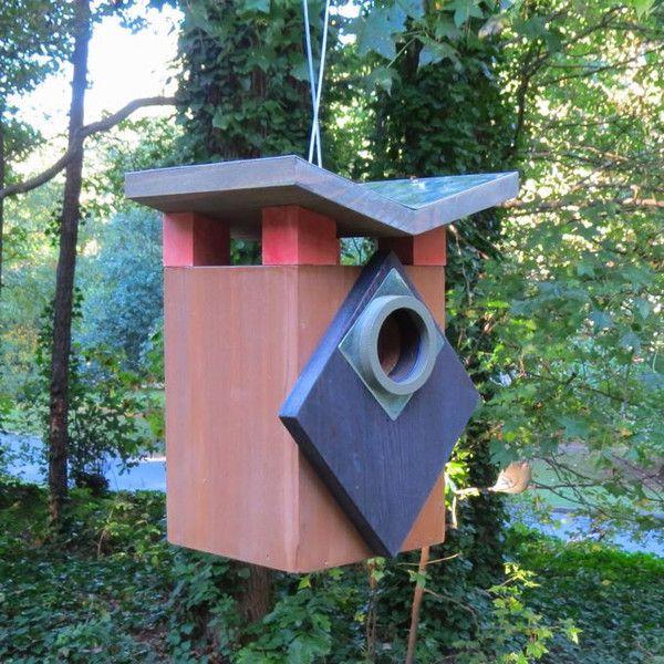 180 best unique birdhouses images on pinterest unique for Creative birdhouses