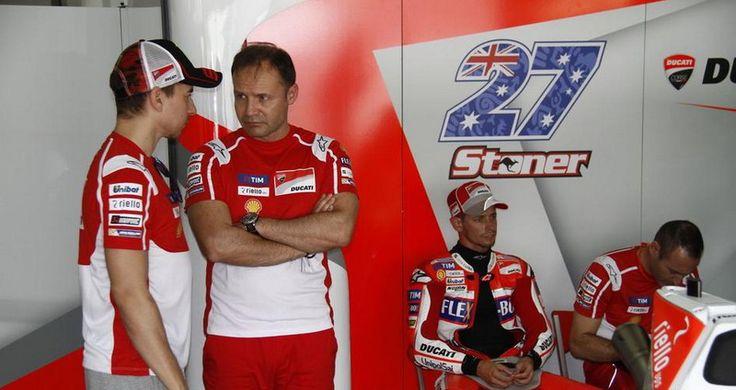 Casey Stoner adalah pemenang MotoGP periode tahun 2007 hingga 2011 memberi saran kepada Jorge Lorenzo bagaimana caranya supaya bisa menang.