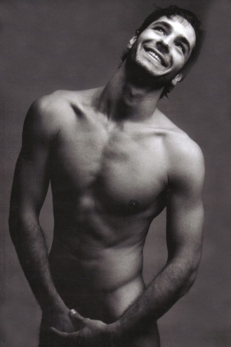 Raoul Bova, love that body! that smile! those eyes!