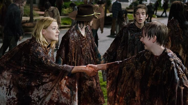 Jessie (Alexandra Breckenridge), Sam (Major Dodson) and Ron (Austin Abrams)
