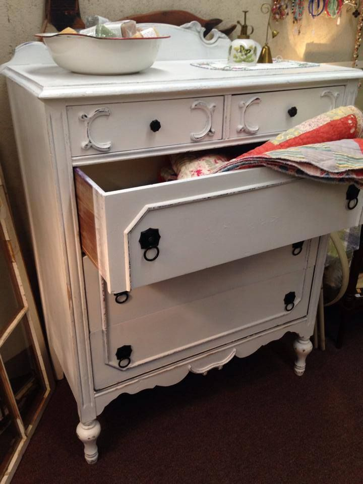1000 images about Farmhouse Painted Furniture on Pinterest