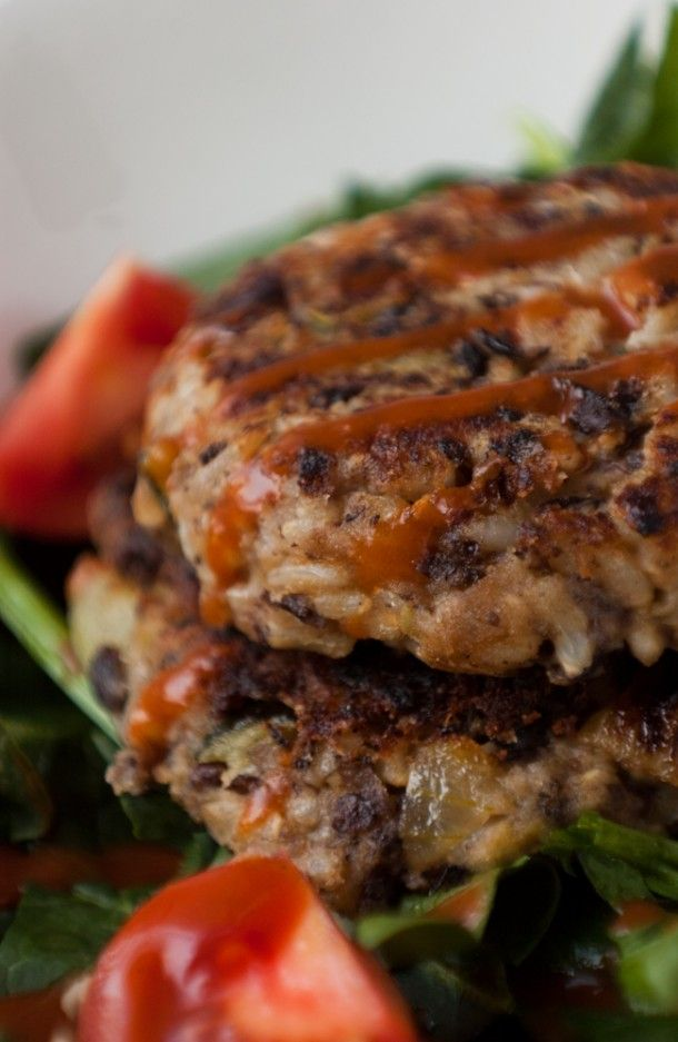 Black Bean and Brown Rice burgers: pinner said: filling, easy, incredibly cheap (this recipe is 2 dollars!) and more tasty than you could possibly imagine. (So easy! Must try)