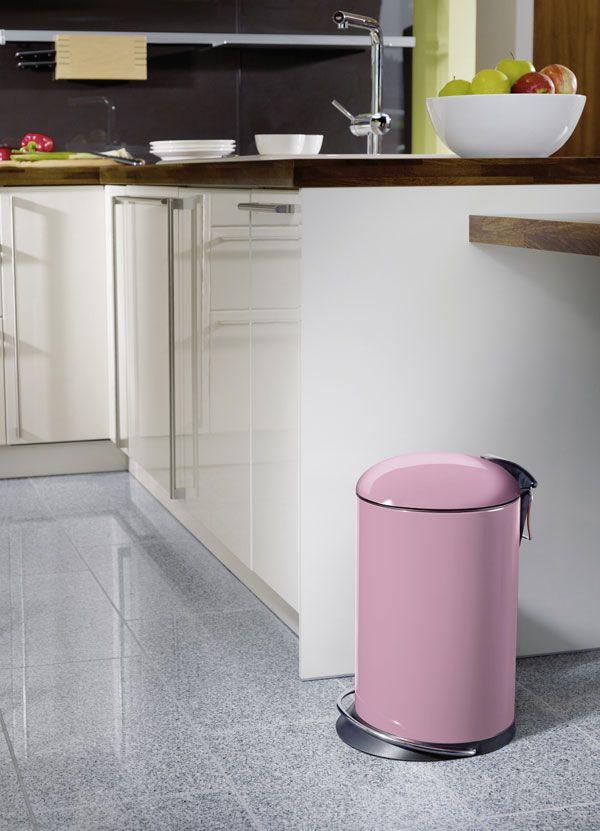Er hat das Zeug zum Bestseller: Der Abfallsammler Trento TOPdesign von Hailo zeichnet sich durch hohen Gebrauchsnutzen, durchdachte Ergonomie und formschönes Design aus. Aktuelle Trendfarben vervollkommnen die Inszenierung und das Funktionsobjekt avanciert zu einem dekorativen Must-have für Küche, Wohnbereich und Büro.    Wie b