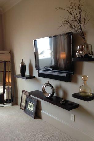 Transitional Master Bedroom with Carpet, Urban Trends Hexagonal Vase, High ceiling, Privilege Metallic Drip Ceramic Vase