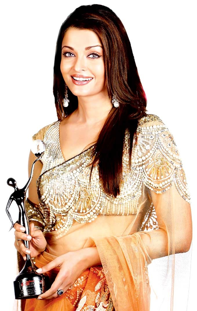 Aishwarya Rai at the Kelvinator GR8! Women Awards #Bollywood #Fashion