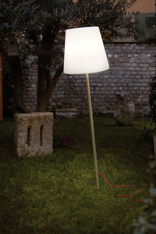 Ali Baba Fiaccola design Giò Colonna Romano | Slide 2014 #light #slidedesign #outdoor http://www.malfattistore.it/?product_cat=slide