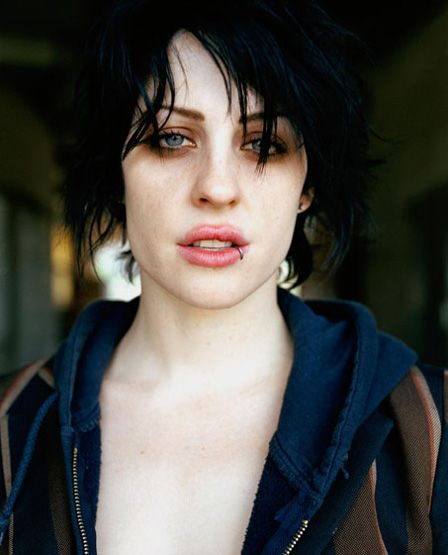 if i can't BE brody dalle I can at least do my makeup like her