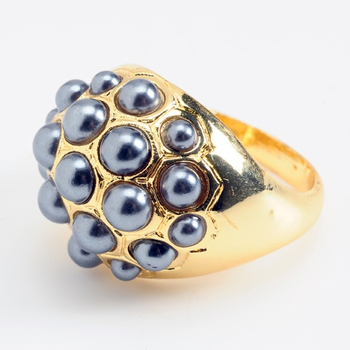 """Amrita Singh's Pebble Pearl Ring is feminine but slightly punky, with its faux pearl """"studs."""" This ring can go with virtually anything. Available in nine colors; $30.Pearl Rings, Style, Pearls Rings, Jewelry Accessories, Jewelry Jewelry Jewelry 3, Gold Rings, Rings Weapons If, Rings 30"""