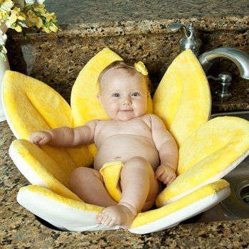 Blooming Bath baby bath. - Super soft and cuddly to keep baby happy and comfortable during bath time - Recommended for infants 0 - 6 months. #baby #bath