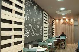 Resultado de imagen para decoracion de cafeteria con palets