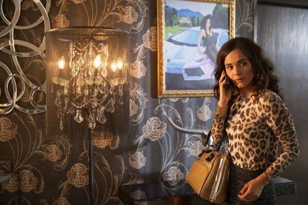 (Photo : Benedicte Desrus/USA Network) USA Network's Queen Of The South Teaser: Alice Braga New Character Profile Before Premiere!      Based on the popular ...