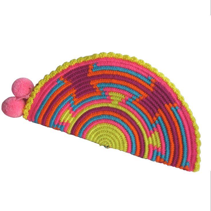 Tierna Abanico Wayuu Clutch. Handmade and Fair Trade Wayuu Clutches – LOMBIA & CO.   www.LombiaAndCo.com