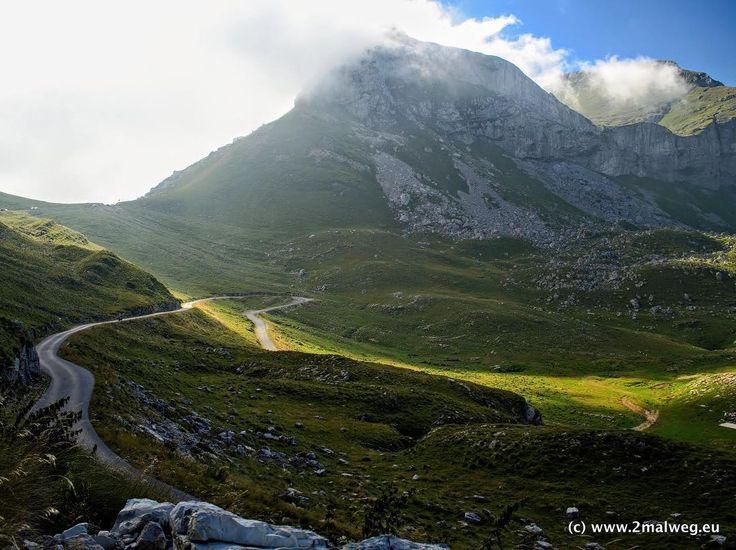 Wonderful roads in #Montenegro #Durmitor National Park Summer 2016http://bit.ly/2lgTapm #spirtofGS#makelifearide #bmw #bmwmotorrad #f800gs #R1200GS #adventure #adventurebike #motorbike #motorcycle #motorrad #reisen #travel #blog #fotografie #photography #landscape #landschaft #latergram
