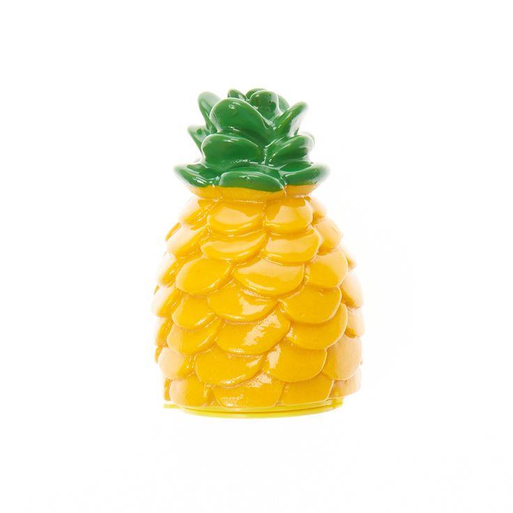 <P>This fun pineapple flavoured lip gloss comes in a superfun…