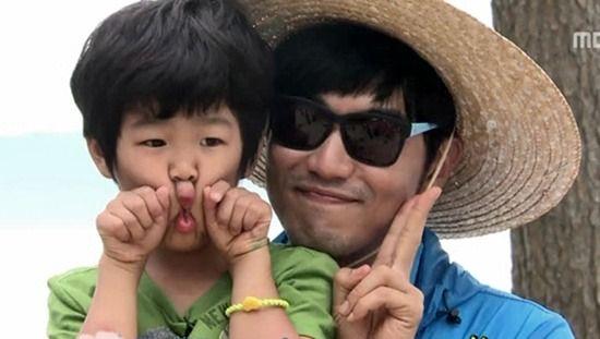 Junsu & his dad, Lee Jong Hyuk