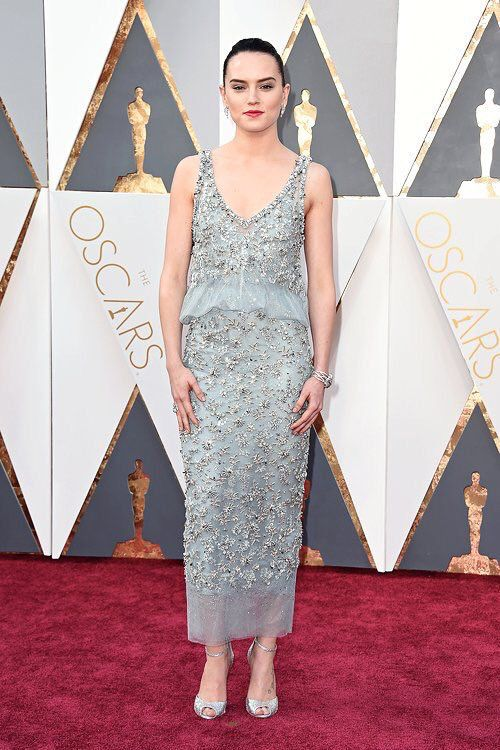 Daisy Ridley in Chanel Haute Couture at 2016 Oscars