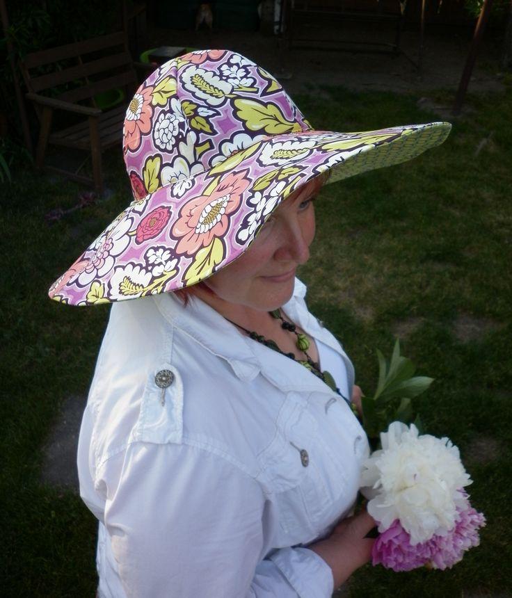Hat, Handmade (Pat Bravo)