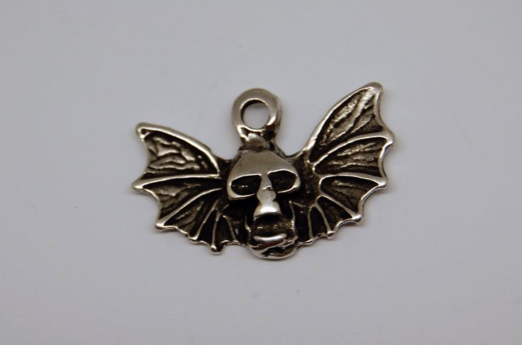 Other – 1 x human skull-bat wings silver charm – a unique product by thesecretgarden on DaWanda