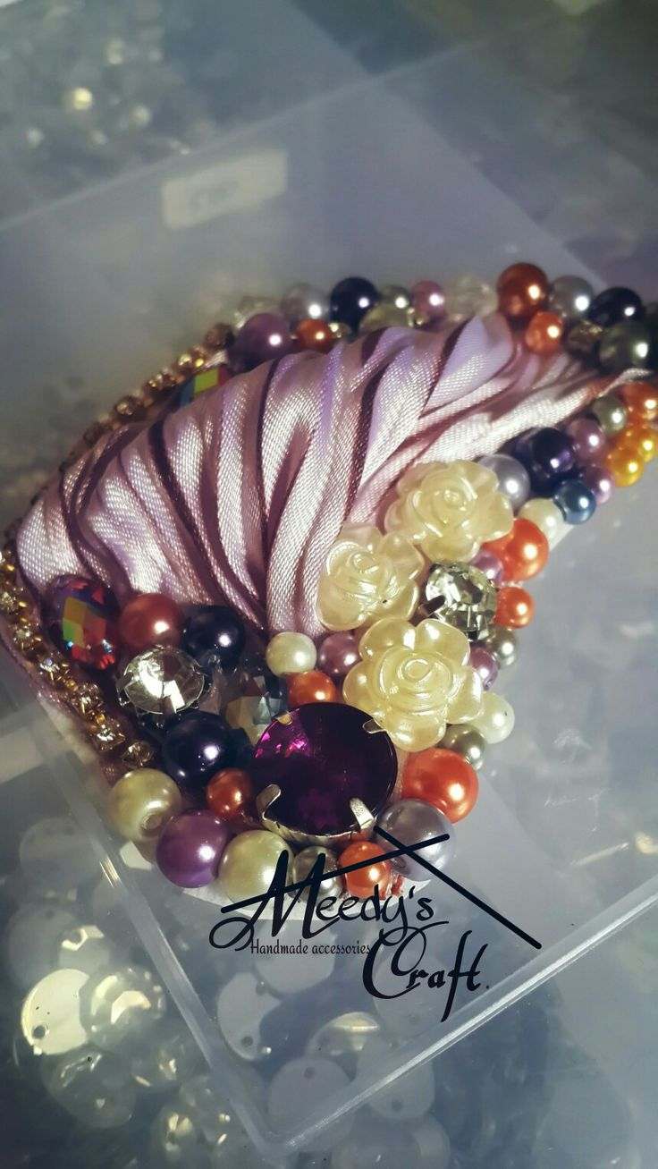 Purple gradation shibori sateen brooch