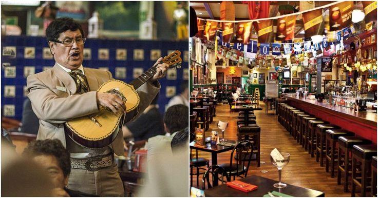 Algunos de los mejores momentos de la vida se pasan entre amigos, en una cantina, mientras escuchas música, juegas al dominó y bebes una cerveza, un tequila o un mezcal.  México está lleno de cantinas increíbles, que en su decoración guardan parte de la historia del país, con esos músicos que le han dado renombre fuera de sus fronteras y que nos han dado la imagen de pendencieros, alegres y valemadristas que para bien o para mal tenemos.