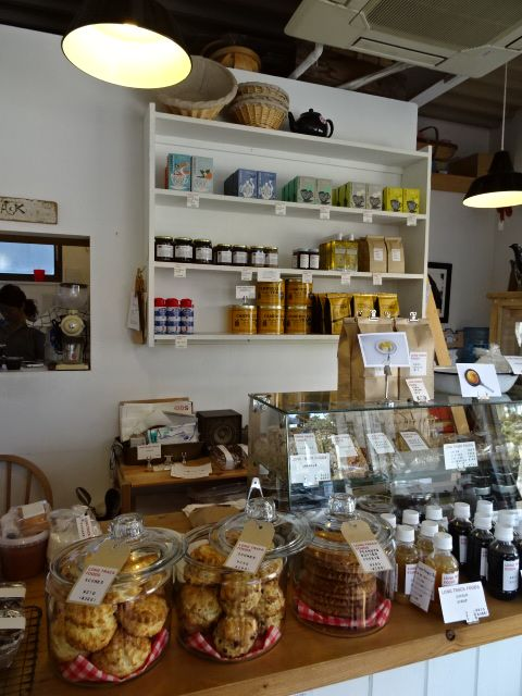 【shop in Kamakura】LONG TRACK FOODS. 鎌倉市由比ガ浜2-16-1