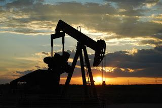 Oil Prices, Oil News and Oil Futures (A brief overview of oil markets and oil futures)