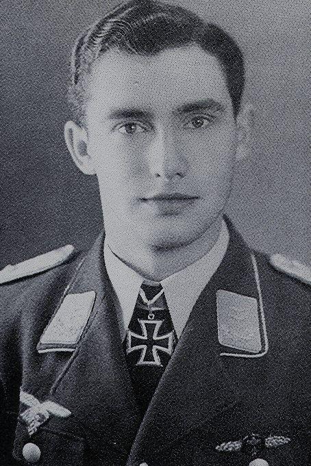 Oberleutnant Wilhelm Johnen (1921-2002), Staffelkapitän 8./Nachtjagdgeschwader 6, Ritterkreuz 29.10.1944