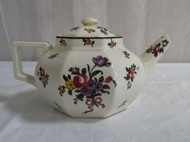 Royal Doulton Leeds Sprays Antique Teapot - English Teapot - Goodwill Donation