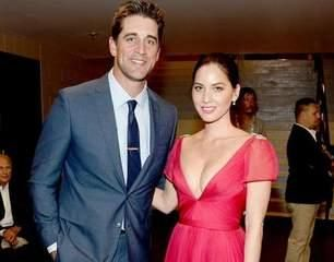 Olivia Munn Spotted Dating Aaron Rodgers
