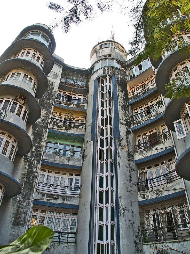 Ram Mahal apartment building, 8 Dinshaw Wachha Road, Churchgate, Mumbai (Bombay). Designed by John Mulvaney, 1939.